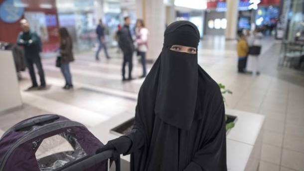 Safira Merriman, a Toronto woman with French-Canadian roots who converted to Islam and now wears a niqab, recently assaulted during a shopping trip. Photo: J.P. MOCZULSKI/J.P. MOCZULSKI